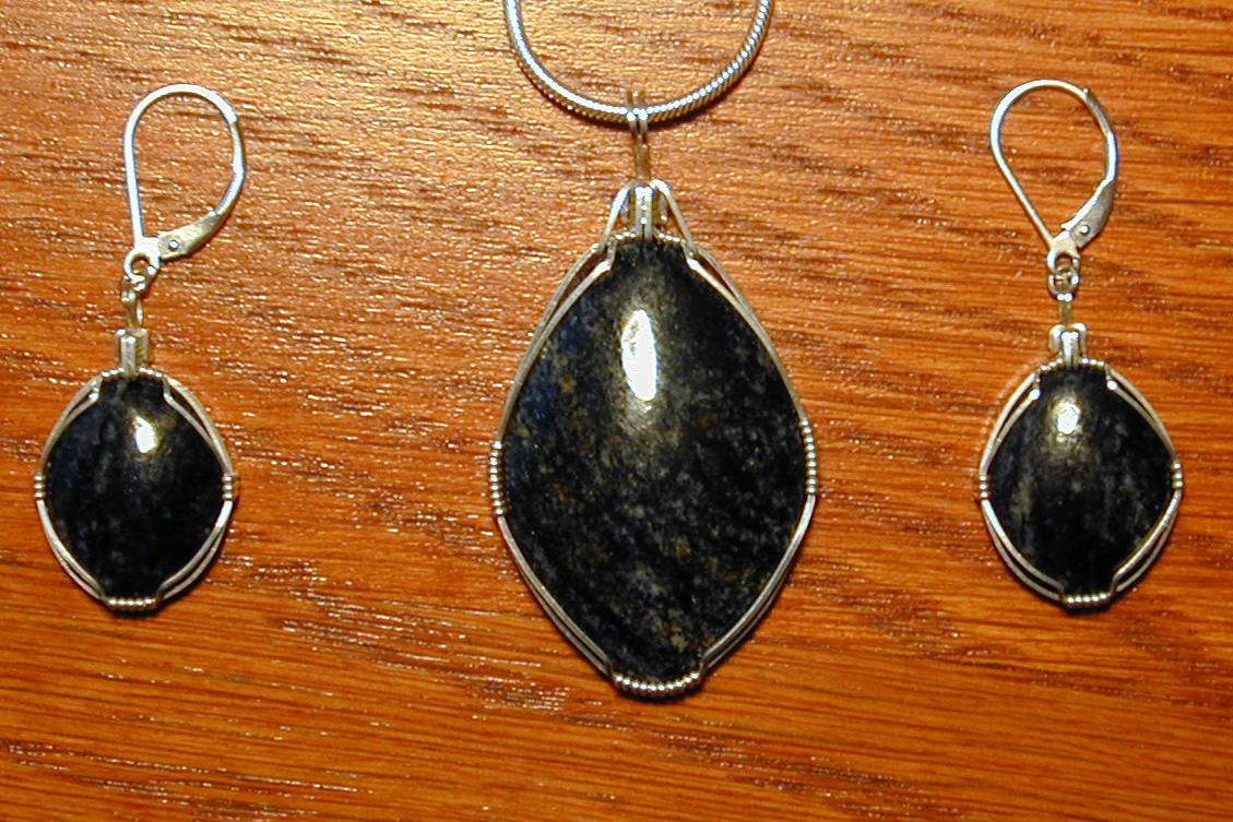 Acasta gneiss pendant/earrings